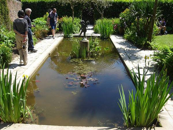 """Creative Commons  The Italian garden pond at the Lost Gardens of Heligan. By Northmetpit,  licensed under CC 2.0"