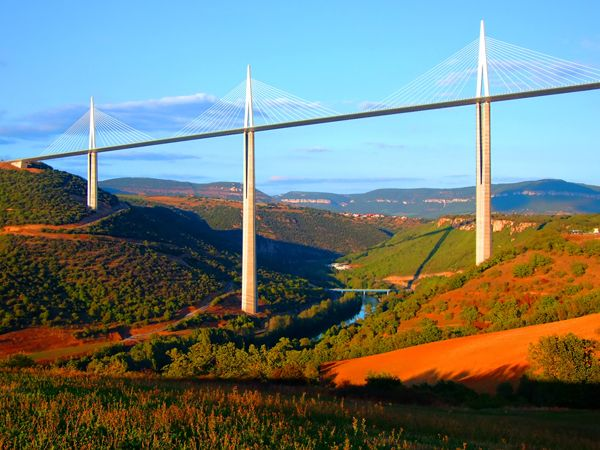 Viaduct of Millau,Aveyron,France; credit: Gaspar Janos / shutterstock.com