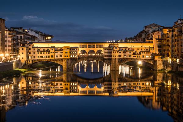 Great View of Ponte Vecchio at night. Firenze, Italy; credit: funkyfrogstock /shutterstock.com