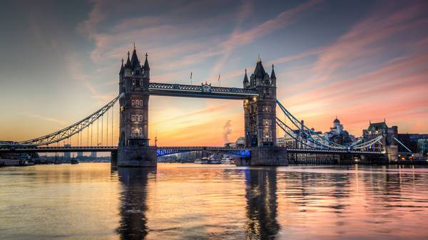 Tower Bridge at sunrise HDR; credit: olavs / shutterstock.com