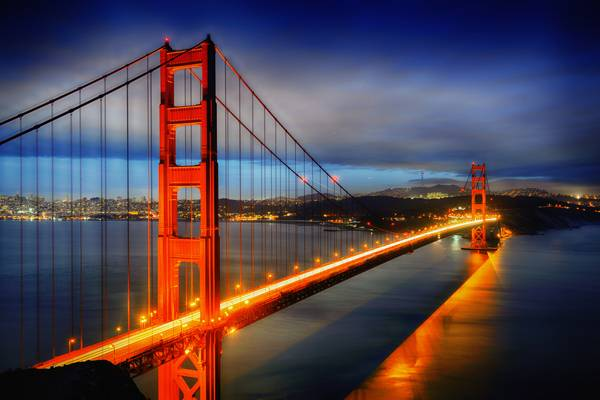 Famous Golden Gate Bridge, San Francisco at night, USA; credit: ventdusud / shutterstock.com