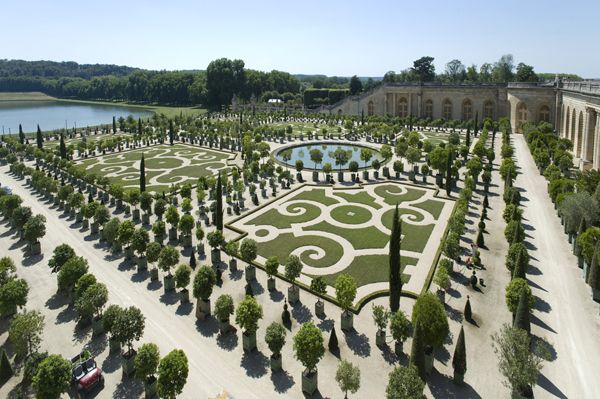 The Gardens of Versailles; credit: shutterstock.com
