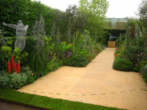 Chris Beardshaw's Arthritis Research UK Garden