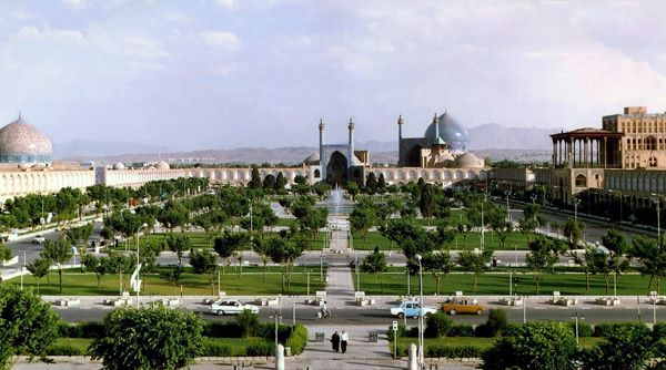 Naghsh-e Jahaan Square
