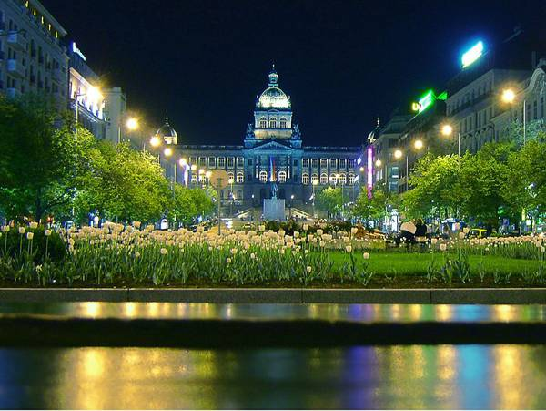 """Creative Commons Night View of Wenceslas Square and National Museum, Prague"". By Me haridas licensed under CC 3.0"