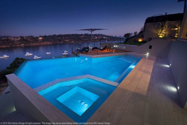 Pool with views all along the Swan River. Credit: Ritz Exterior Design