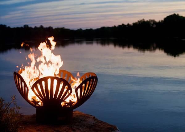 Barefoot Beach fire pit. Credit: Fire Pit Art