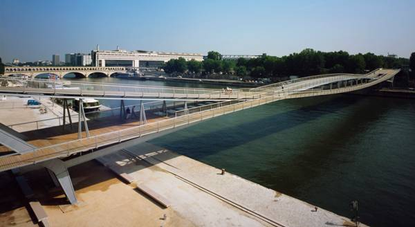 Passerelle Simone de Beauvoir. Photo credit: David Boureau