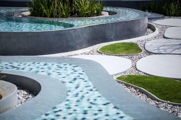 Close up of the blue tiles. Photo credit: Mr. Pirak Anurakyawachon