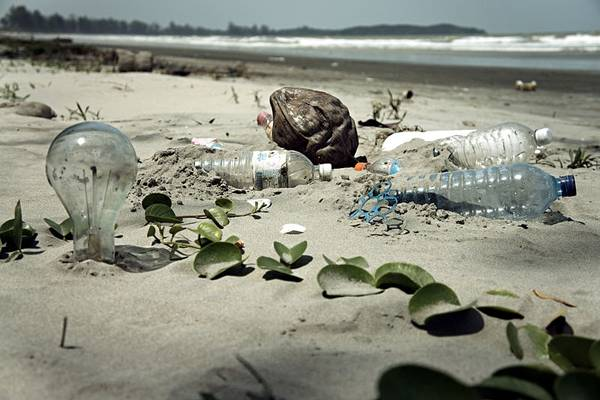 Pollution in our oceans is a big issue, could Blue Urbanism be the solution? Credit: CC 2.0