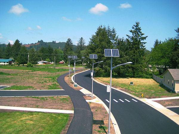 Oregon solar street lighting project. Image credit: Public Domain
