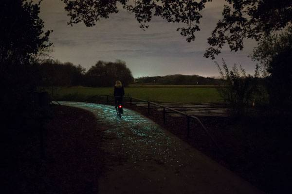 Bicycle-path - Credit: 'Daan Roosegaarde' and Heijmans