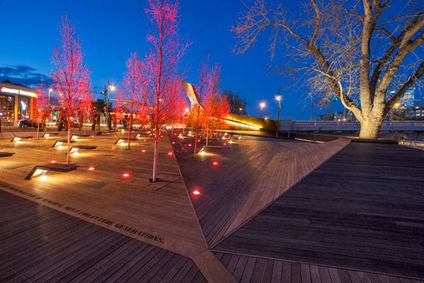 Landscape Architecture Projects of 2014 - Poppy Plaza. Photo credit Brian Shier & Top 10 World Class Landscape Architecture Projects of 2014 - Land8 azcodes.com