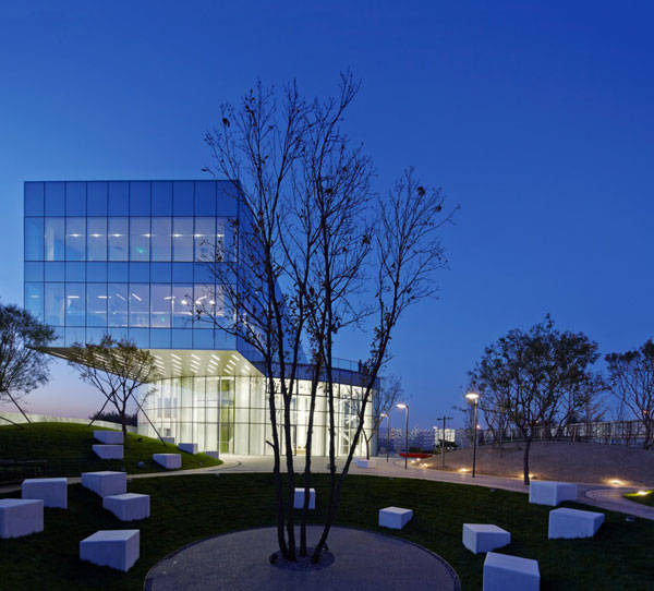 Photo Credit: Vanke Daxing Retail and Leisure Centre, by SPARK and BAN Landscape,  Beijing, China