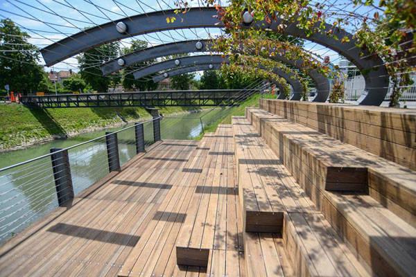 Photo Credit: Pavilion at the Ljubljanica Embankment, by BB Arhitekti by Dunja Wedam