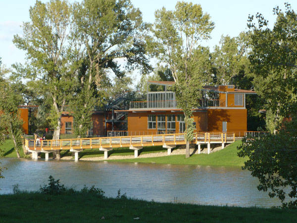 Photo Credit: Kopaszi Dam at Budapest by T2a Architects and Garten Stúdió Ltd