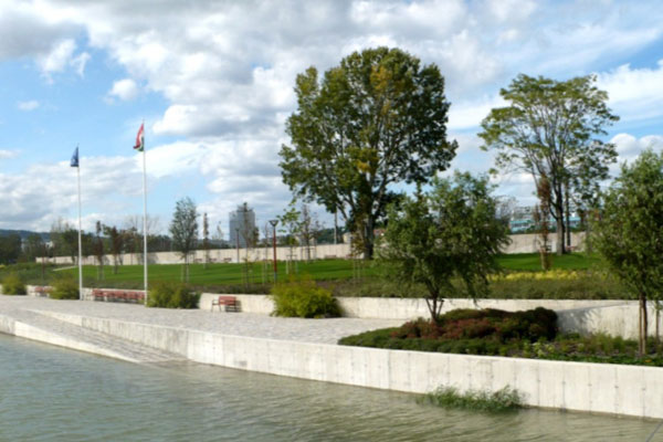 Photo Credit: Kopaszi Dam at Budapest by T2a Architects and Garten Stúdió Ltd