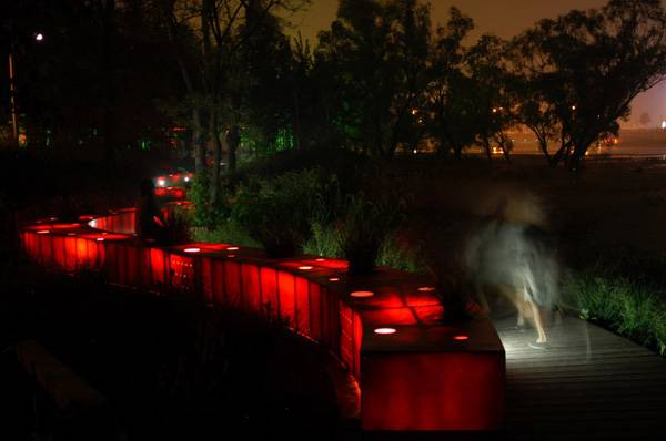 Landscape-architecture - The Red Ribbon Park. Credit: Turenscape