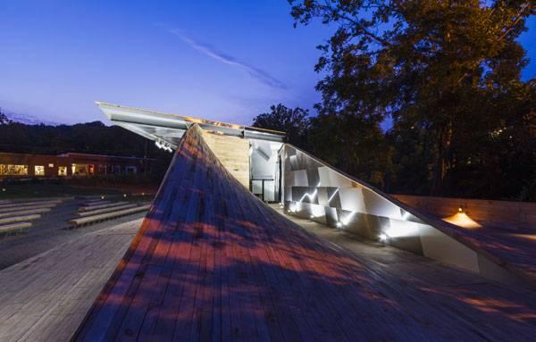 Urban Revitalization - Masonic Amphitheatre and Smith Creek Pedestrian Bridge. Photo © Jeff Goldberg/ESTO