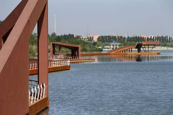 Waterfront Landscape Park of Aiyi River. Credit: Fang Jian