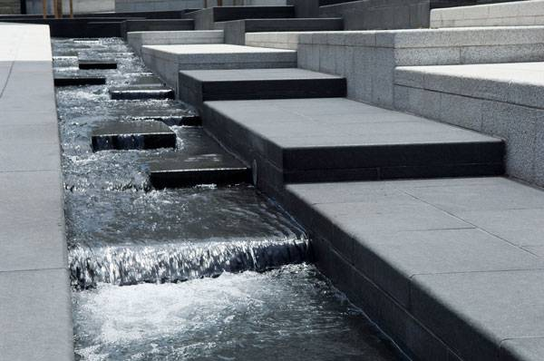 Zeitouneh Square water feature detail. Image credit: Solidere