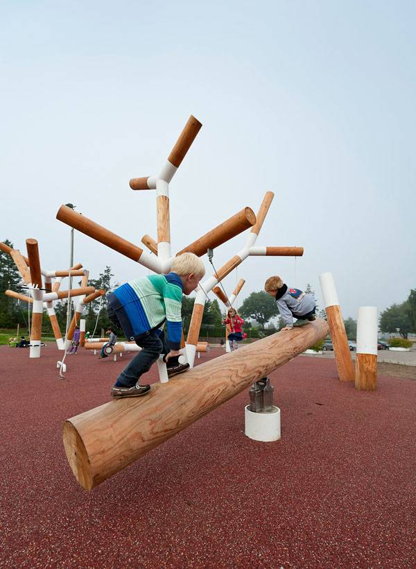 Outdoor Gym - The Play Zone. Photo credit: Mikkel Frost