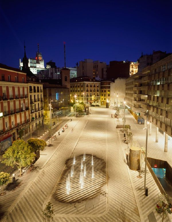 Plaza de la Luna by Brut Deluxe and Ben Busche Architects,