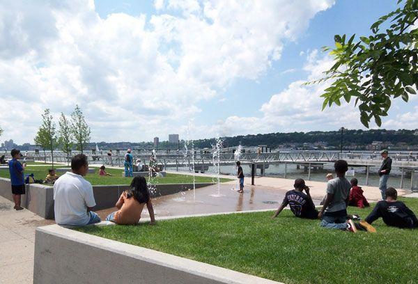 West Harlem Piers Park. Photo courtesy of W-Architecture and Landscape Architecture, LLC