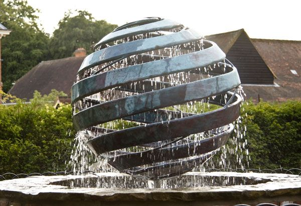 Copper Nebula IV rotating water sculpture. Photo credit: Giles Rayner