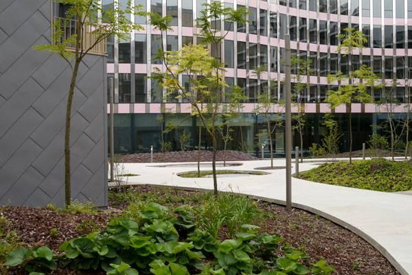 Central garden block B4