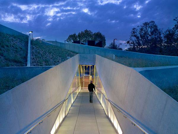 Los Angeles Museum of the Holocaust Designed by Belzberg Architects. Photo credit: Belzarch. Licensed under CC-SA 3.0. Image source.