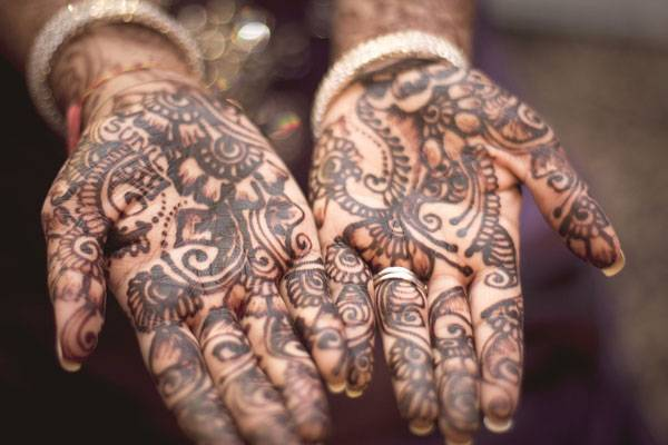 Henna art. Photo credit: Licensed under  CC0 Public Domain. Image source.