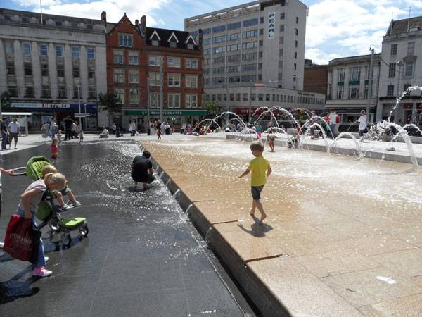 """Water Fountain in Market Square"" by Shelley Rodrigo at Flickr. Licensed under CC BY-SA 2.0 via Commons."