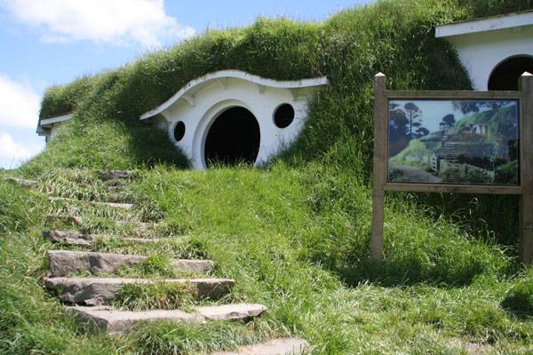 """From the article Bad Landscape Architecture Students, Can They Improve?. """"Bag End"""" by Rob Chandler (Rob & Jules) – Flickr. Licensed under CC BY-SA 2.0 via Commons"""