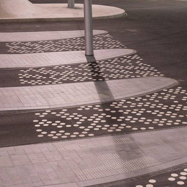 Detail trolleybus square. Photo credit: Ben Ter Mull Lowres