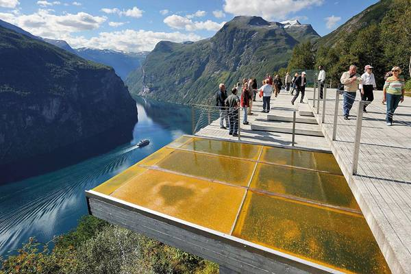 4 Incredible, Must-See Tourism Projects in Landscape Architecture. Viewpoint Ørnesvingen. Credit: 3RW Architects