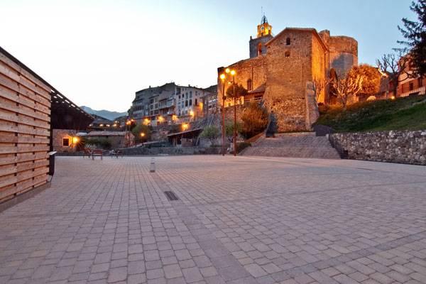 Baga Square. Photo credit: Jordi Comas