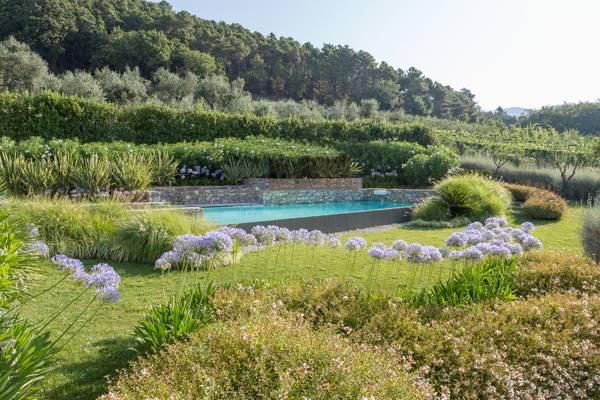Contemporary Italian Garden Offers Renewed Inspiration. Photo credit: Andrea Simonetti and Giuseppe Lunardini