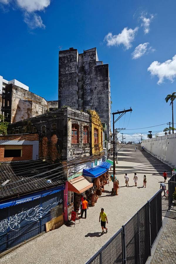 Ladeira da Barroquinha. Image courtesy of METRO ARQUITETOS