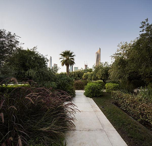 Constitution Garden vegetation. Photo Credit: Nelson Garrido©