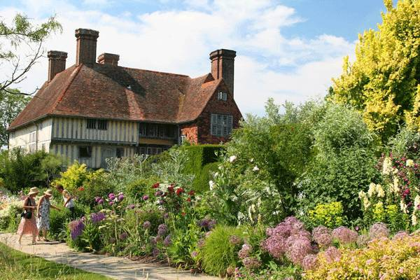 Great Dixter. Photo credit: Malcolm Manners, via Flickr. Licensed under CC 2.0