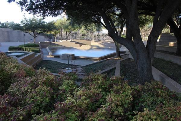 Fort Worth Water Gardens. Photo via Flickr, by Nicolas Henderson, licensed under CC 2.0