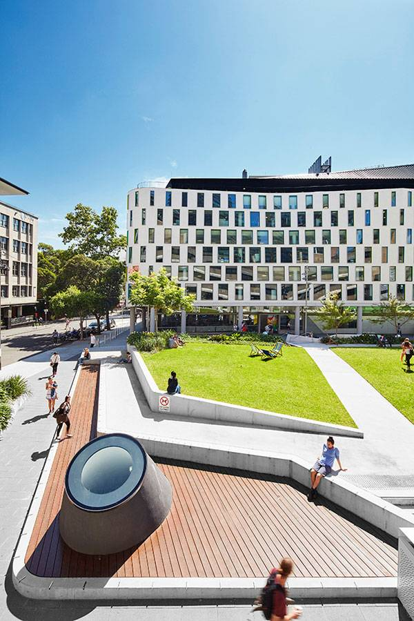 UTS Alumni Green . Photo credit: Florian Groehn