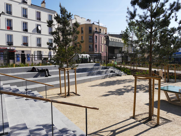 The playgrounds of the open garden. Image courtesy of Atelier De Paysages Et D'Urbanisme
