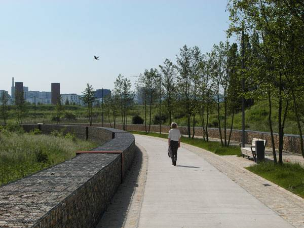 Water Retention Boulevard. Photo courtesy of ELYPS Landscape + Urban Design