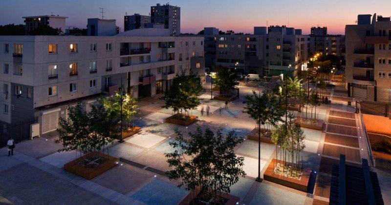 Place des Droits de l'Homme Vibrant Plaza