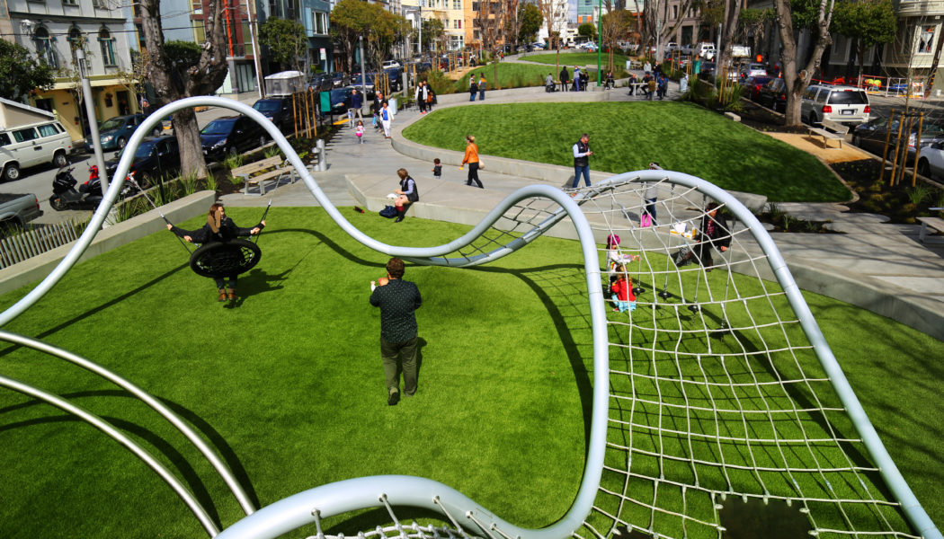 South Park in San Francisco Succeeds as an Ecologically and Socially Sustainable Park