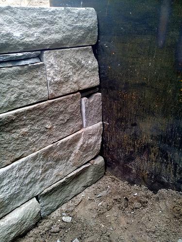 Corten Steel to Bluestone Wallstone