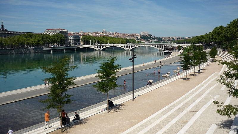 Berges_du_Rhone_Pont_Guillotiere by ThomasBigot