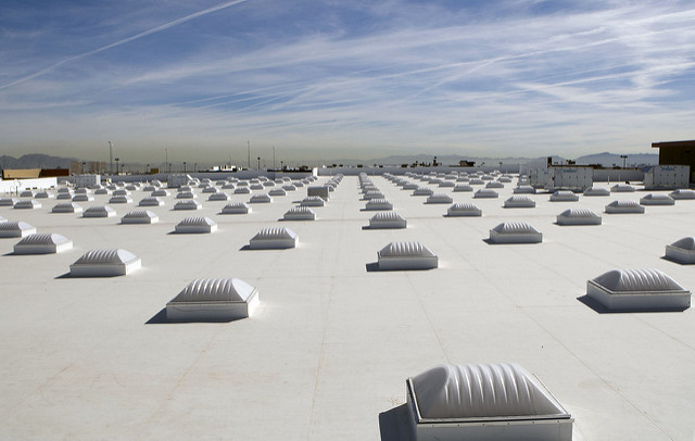 White roof and skylights on Las Vegas, Nev. Walmart_Walmart corp. CC2.0